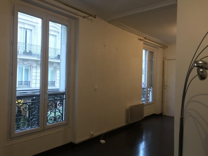 Rental apartment Paris 10ème 1450€ CC - Picture 2