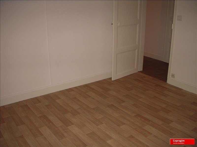 Rental apartment Montereau fault yonne 525€ CC - Picture 1
