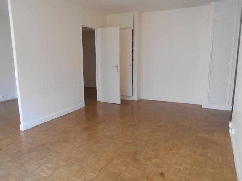 Location appartement Paris 17ème 1 700€ CC - Photo 3