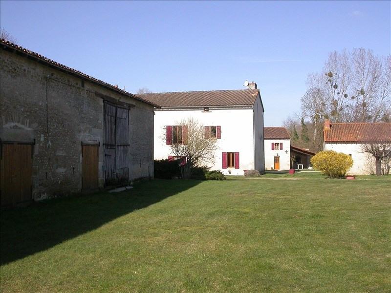 Vente maison / villa Usson du poitou 439000€ - Photo 9