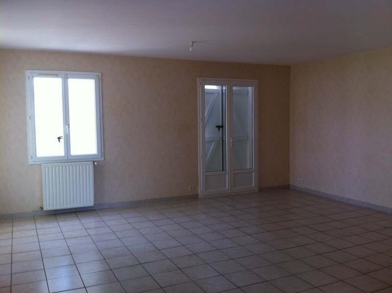 Location maison / villa St maixent l ecole 750€ CC - Photo 3