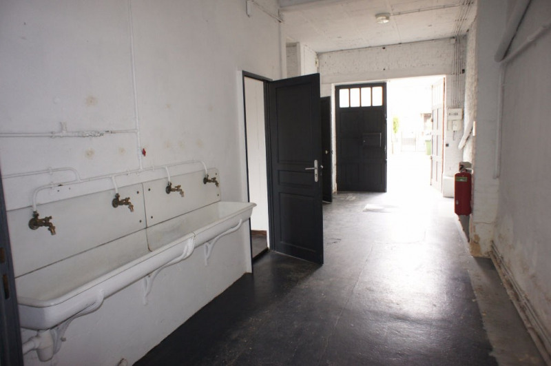 Location local commercial Clamart 1248€ HC - Photo 5
