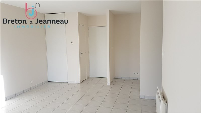 Location appartement Le bourgneuf la foret 386€ CC - Photo 4