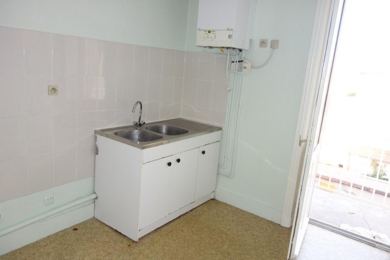 Location appartement Roanne 390€ CC - Photo 4