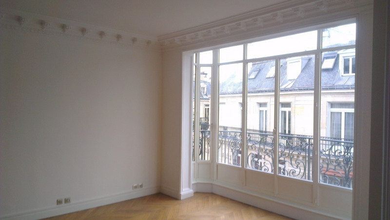 Location appartement Paris 17ème 5 690€ CC - Photo 3