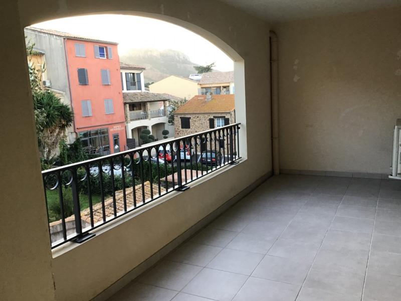 Location appartement Roquebrune-sur-argens 1030€ CC - Photo 6