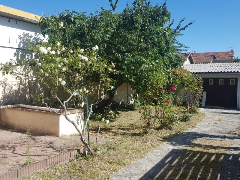 Sale house / villa Sevran 200000€ - Picture 2