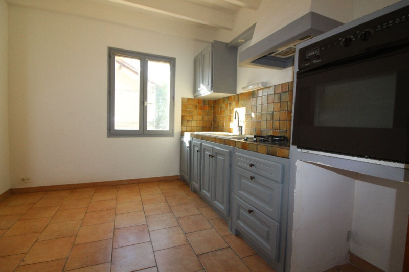 Sale house / villa Cadenet 299 000€ - Picture 3
