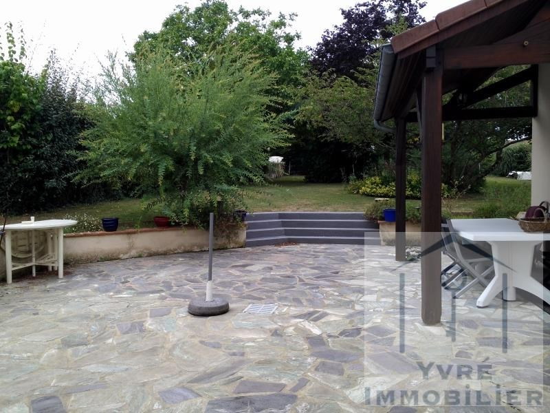 Sale house / villa Yvre l'eveque 374 400€ - Picture 6