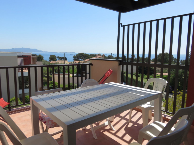 Location vacances appartement Bandol 650€ - Photo 1