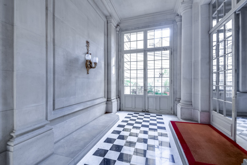 Location appartement Paris 16ème 15 000€ CC - Photo 11