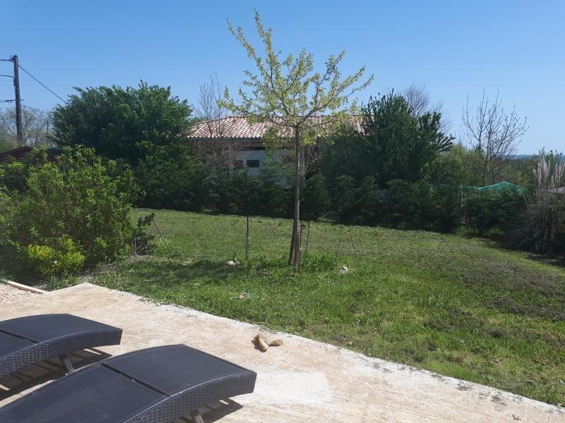 Sale house / villa L isle jourdain 216000€ - Picture 2