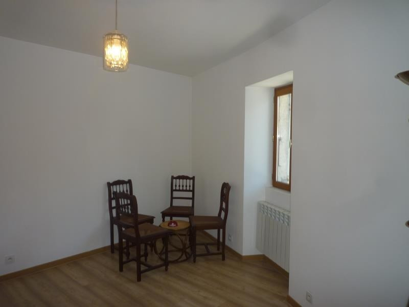 Location maison / villa Artemare 410€ CC - Photo 2