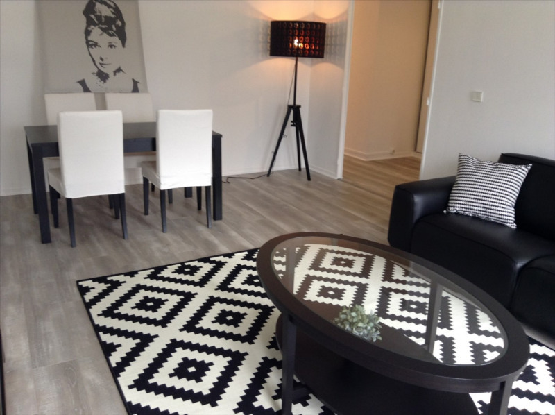 Location appartement Fontainebleau 1 850€ CC - Photo 2