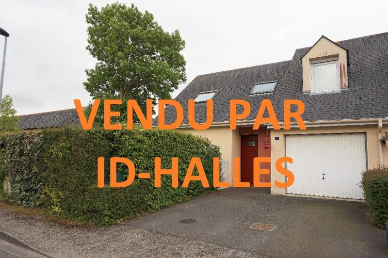Sale house / villa Laval 180000€ - Picture 1
