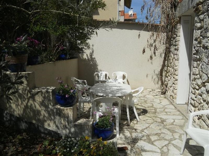 Vacation rental house / villa Royan 916€ - Picture 15