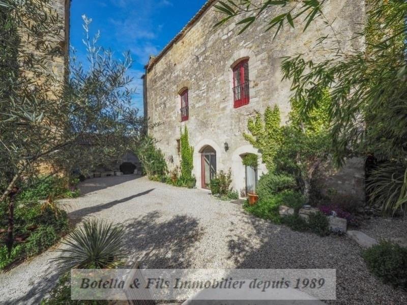 Verkoop van prestige  kasteel Uzes 869000€ - Foto 1