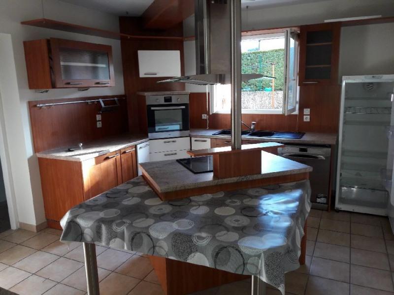 Location maison / villa Vourles 2590€ CC - Photo 3