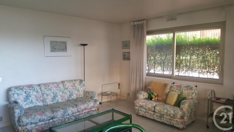 Verkoop  appartement Deauville 200000€ - Foto 2