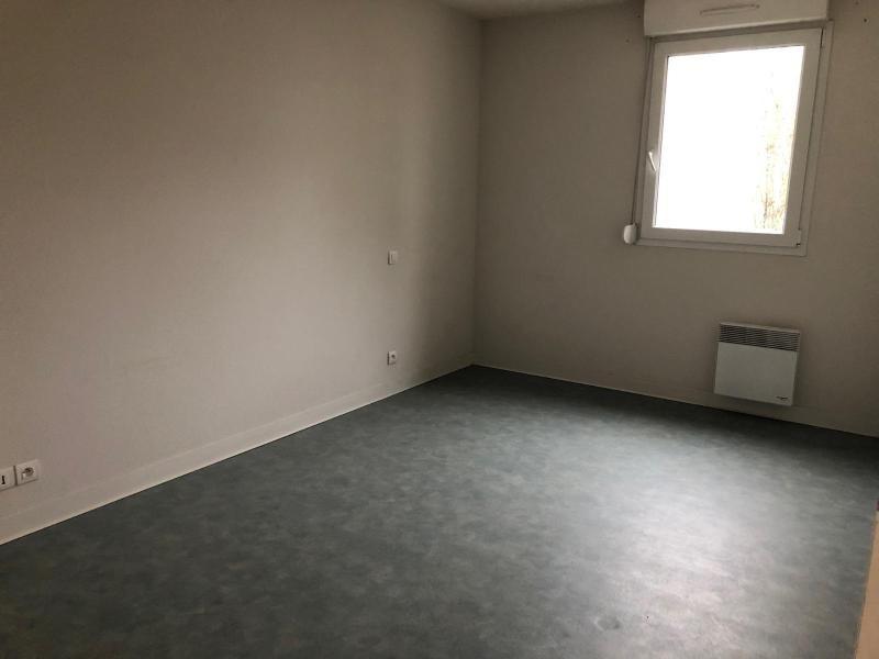 Location appartement St nazaire 564€ CC - Photo 4