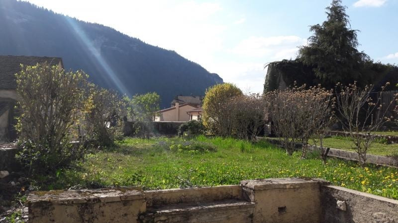 Sale house / villa Nantua 92 000€ - Picture 1