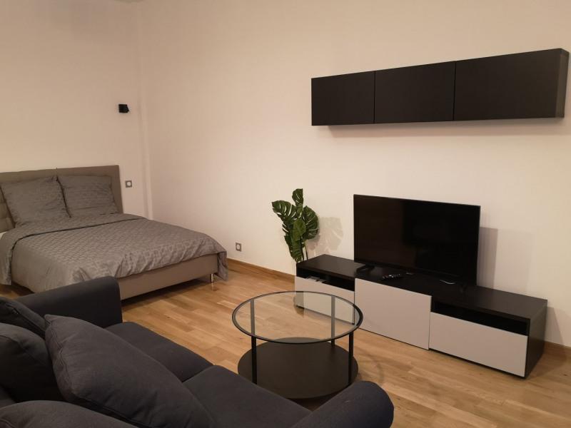 Rental apartment Paris 8ème 1820€ CC - Picture 2