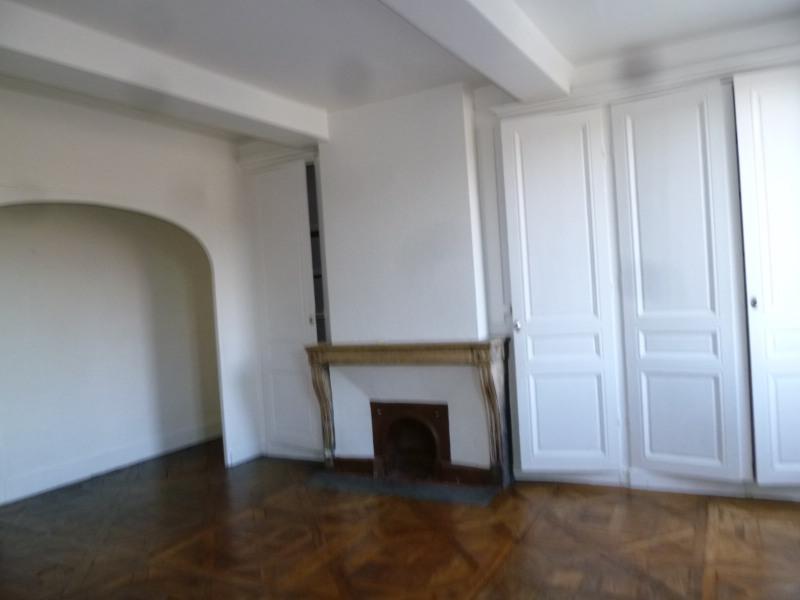 Rental apartment St genis laval 772€ CC - Picture 1