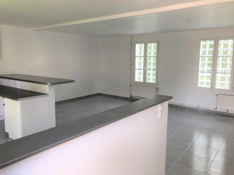 Location appartement Pontoise 915€ CC - Photo 3