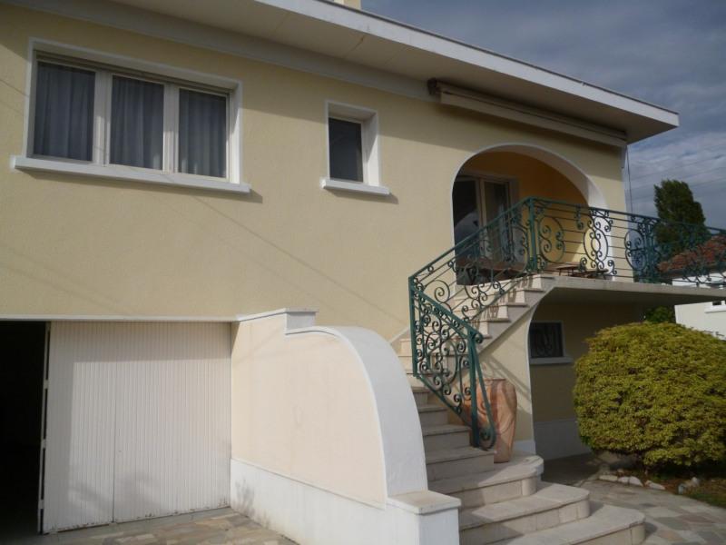 Location maison / villa Odos 900€ CC - Photo 1