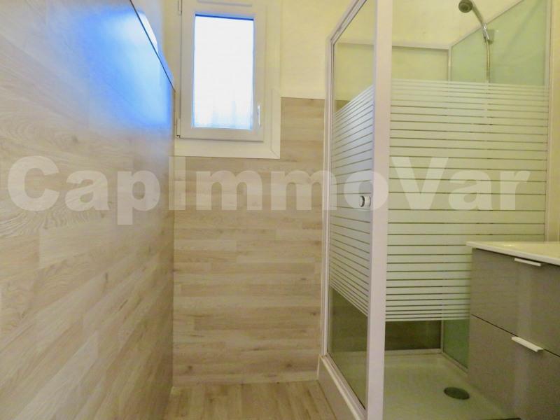 Rental apartment Le beausset 459€ CC - Picture 4