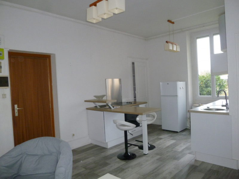 Rental apartment Oullins 642€ CC - Picture 2