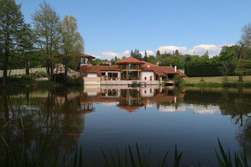 Deluxe sale house / villa Saint-vincent-de-boisset 735 000€ - Picture 2