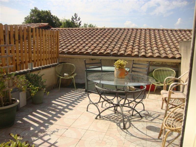 Sale apartment Saint-jean-d'angély 41400€ - Picture 2