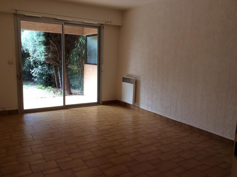 Location appartement Saint-raphaël 685€ CC - Photo 1