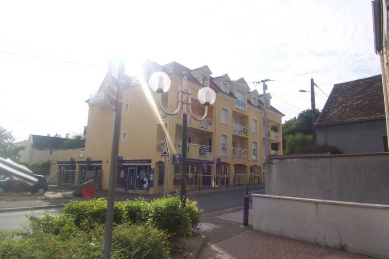 Rental apartment Breuillet 699€ CC - Picture 1