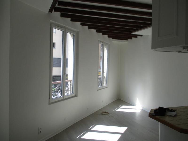 Venta  apartamento Paris 18ème 296800€ - Fotografía 2