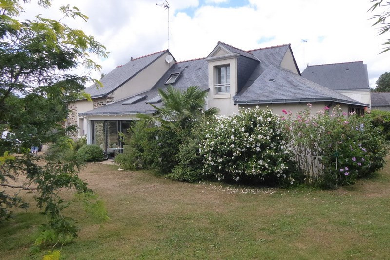 Deluxe sale house / villa Angers 10 mn sud 457 000€ - Picture 1