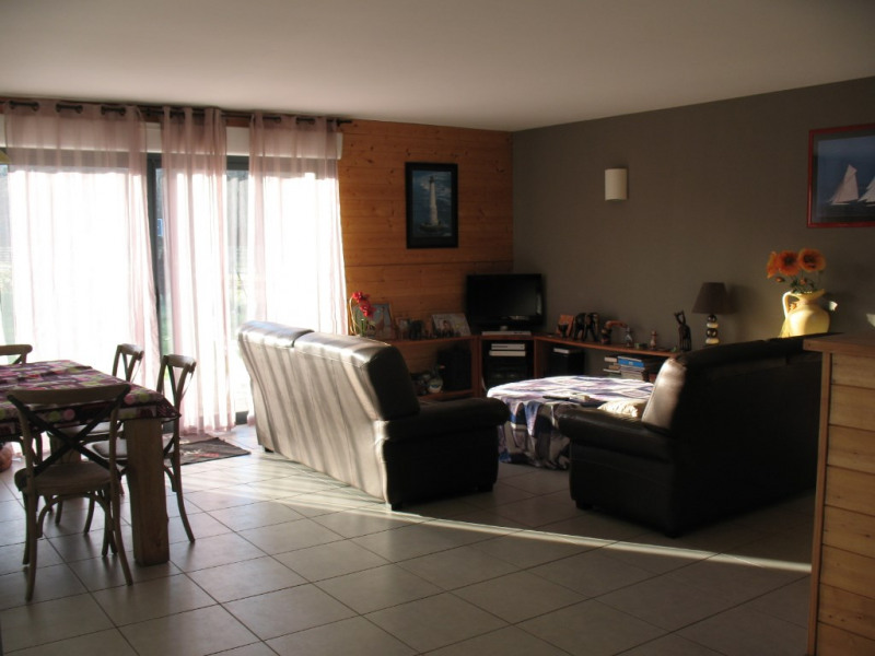 Sale house / villa Chaillevette 223 000€ - Picture 5