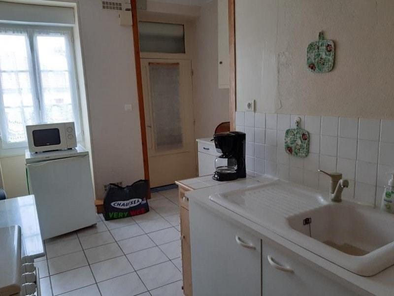 Sale house / villa Ygrande 59400€ - Picture 6