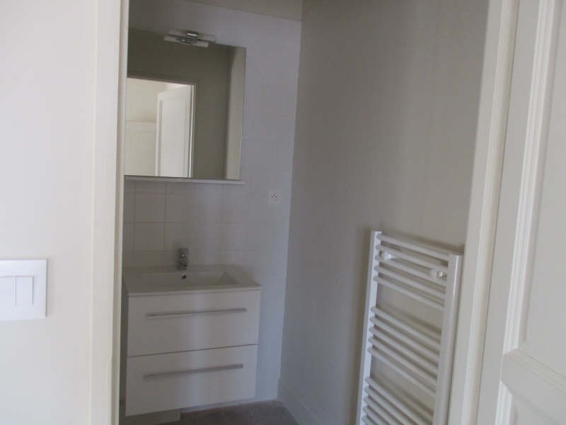 Rental apartment Nimes 654€ CC - Picture 9