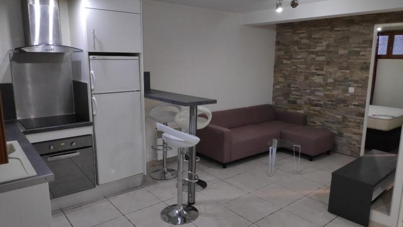 Affitto appartamento Saint laurent du var 600€ CC - Fotografia 1