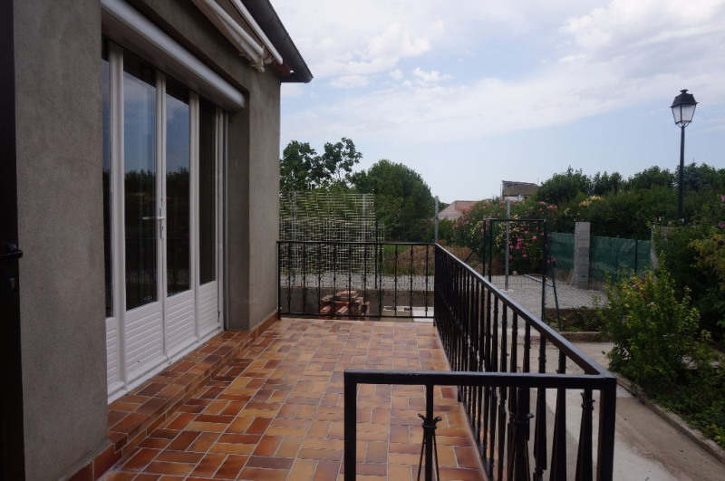 Location maison / villa Villesequelande 720€ CC - Photo 3