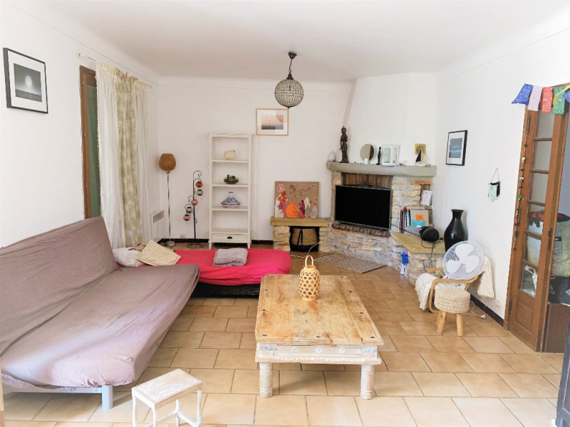 Rental apartment Aix en provence 1 022€ CC - Picture 1