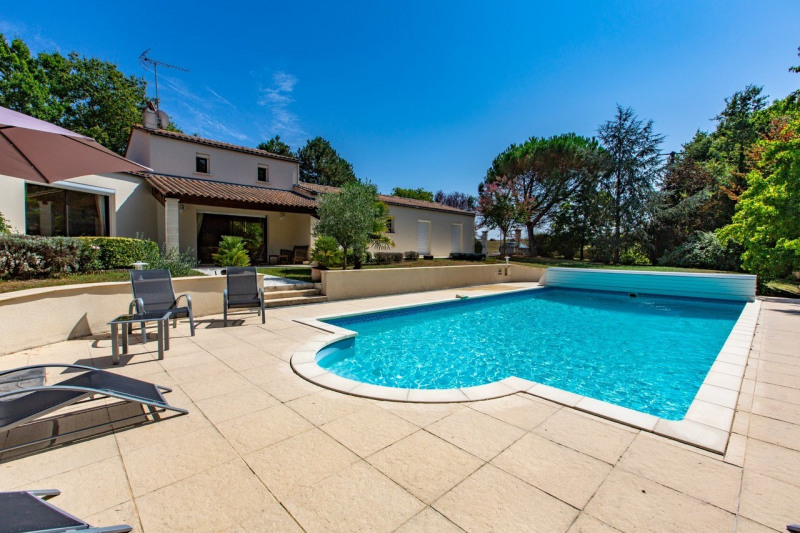 Deluxe sale house / villa Barbezieux-saint-hilaire 337 000€ - Picture 1
