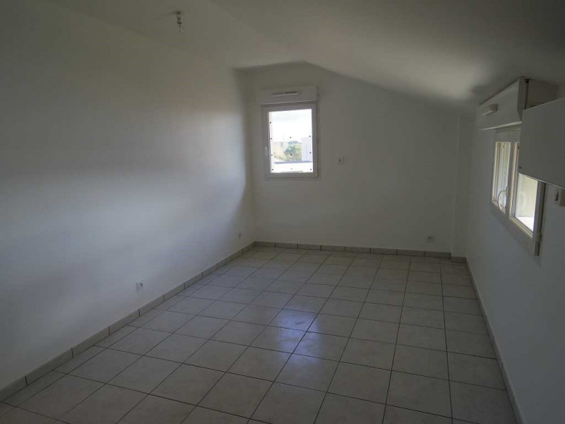 Location maison / villa Montastruc la conseillere 907€ CC - Photo 7