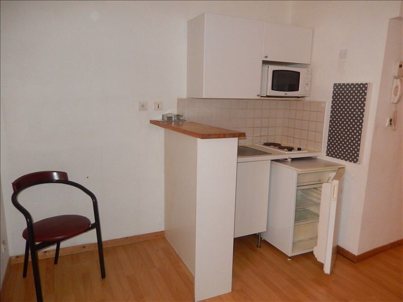 Location appartement Le puy en velay 276,79€ CC - Photo 3