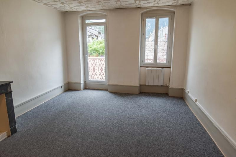 Location appartement Nantua 325€ CC - Photo 1
