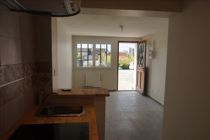 Location appartement L hay les roses 754€ CC - Photo 1