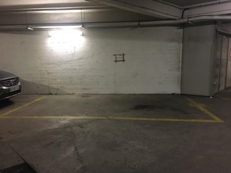 Rental parking spaces Issy les moulineaux 110€ CC - Picture 2