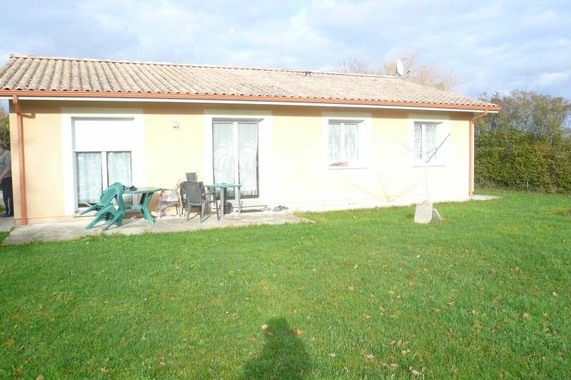 Location maison / villa St yzan de soudiac 730€ CC - Photo 2